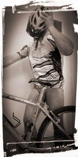 homme sexy en vélo