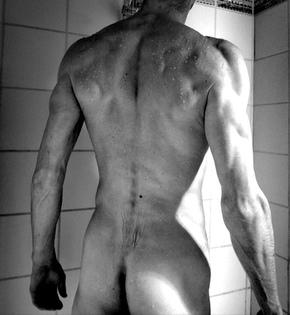 homme sexy de dos aaron74