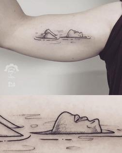 tatouage bain femme nue